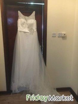 Two Brand New Elegant Wedding Dresses- Size 14-16 in Qatar